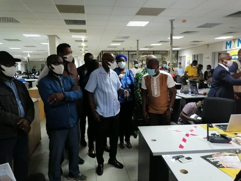 Une équipe de l'Artci avec à sa tête son directeur général, Bilé Diéméléou, a sillonné les sites techniques des opérateurs de téléphonie pendant l'opération du basculement. (Dr)
