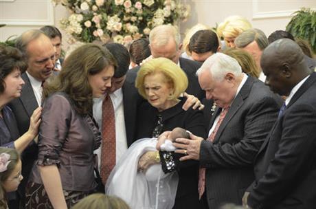 Prensa Asociada (AP) Exclusive: Ex-congregantes revelan años de abuso impío