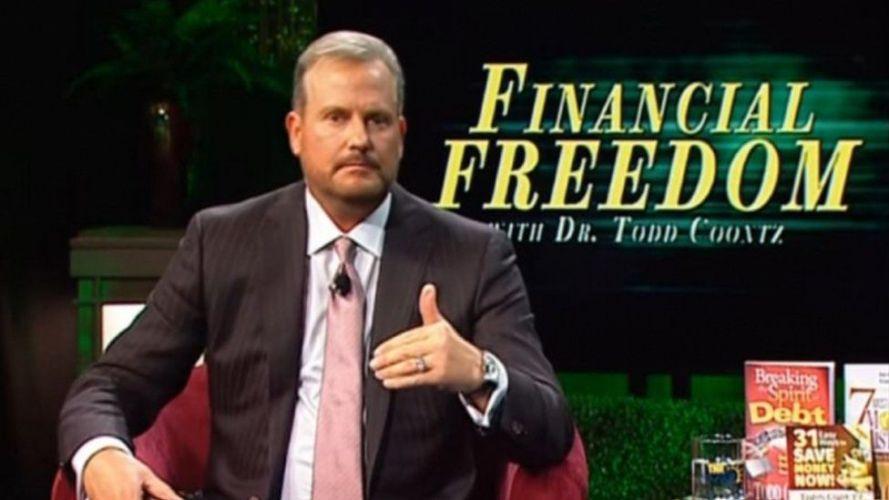 Los Predicadores se Enriquecen a Expensas de Ciudadanos Americanos Pobres