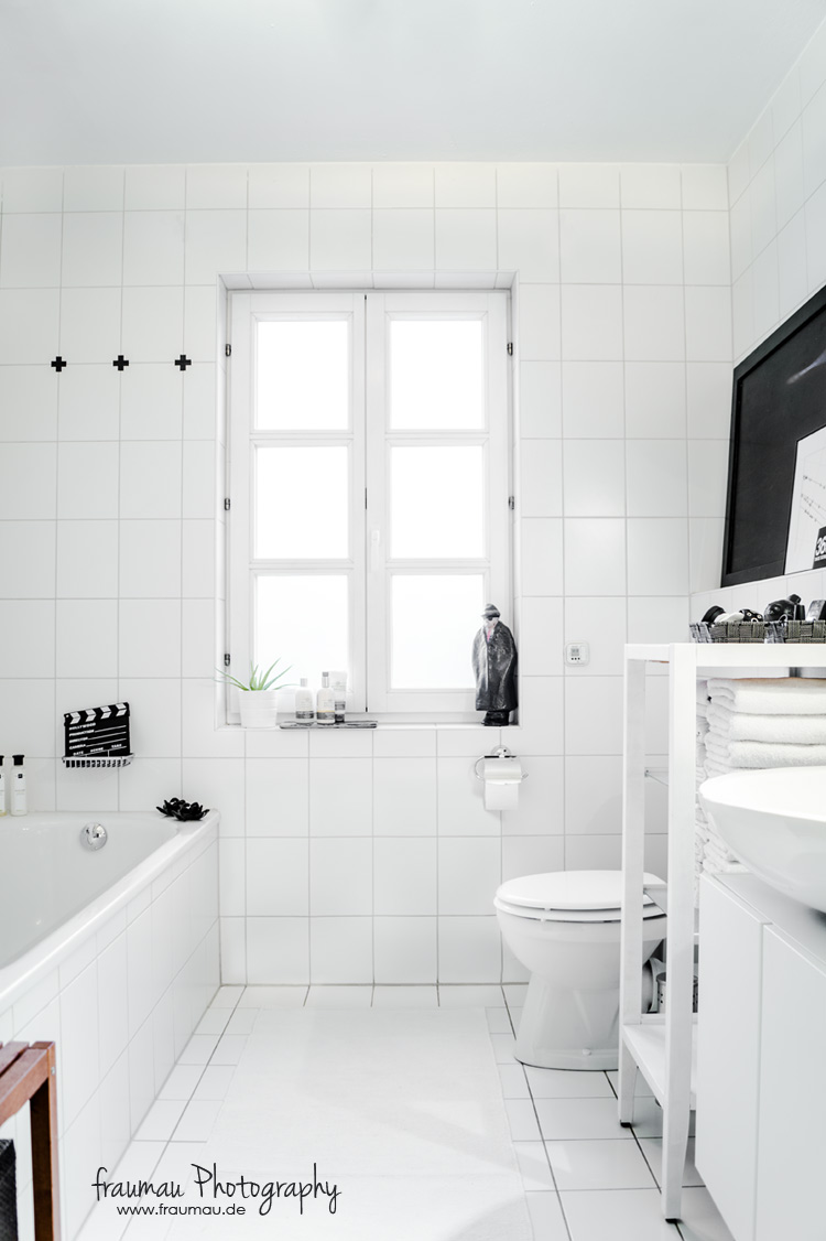 blackandwhite_bathroom_fraumau_beitrag1