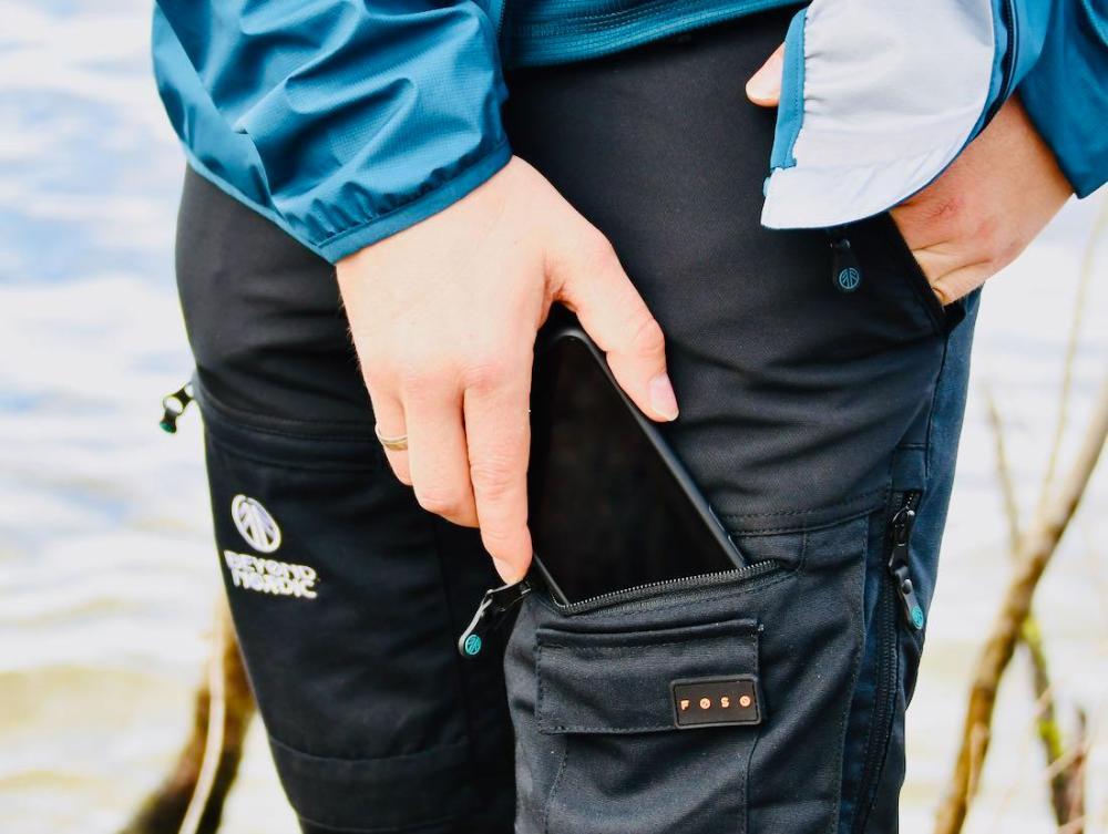 Beyond Nordic - Hose Handy Tasche