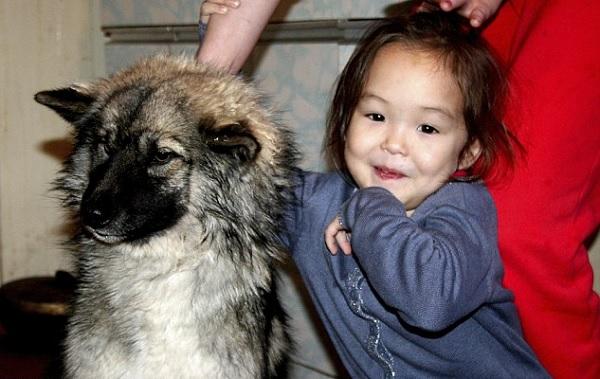 Karina Chikitova with her dog