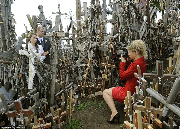 People married at crosses