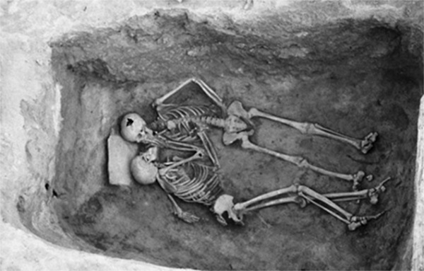 2800-yearold-kiss