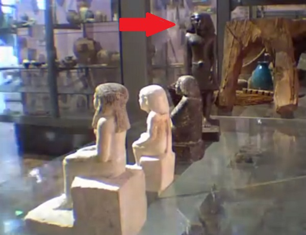 egypt-statue-moving