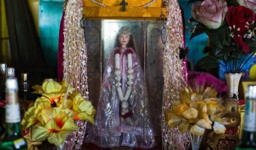 german-girl-shrine