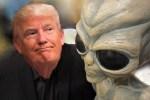 donald-trump-with-alien-statue