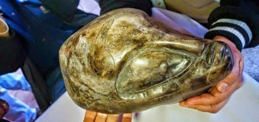 Ancient Aztec artifacts have been presented in Mexico