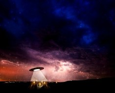 alien saucer in Canada abduction