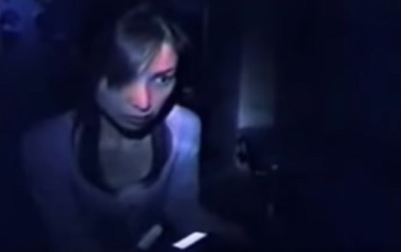 Japanese reporter terrified from seeing ghost