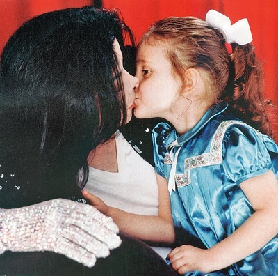 Micheal Jackson with daughter Paris