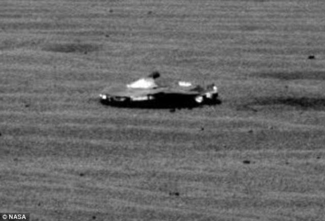 UFO on Mars surface 2017