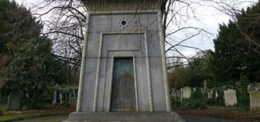 Legend of London's Time-Traveling Tomb