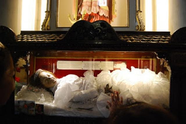 Santa Inocencia corpse Mexico Church