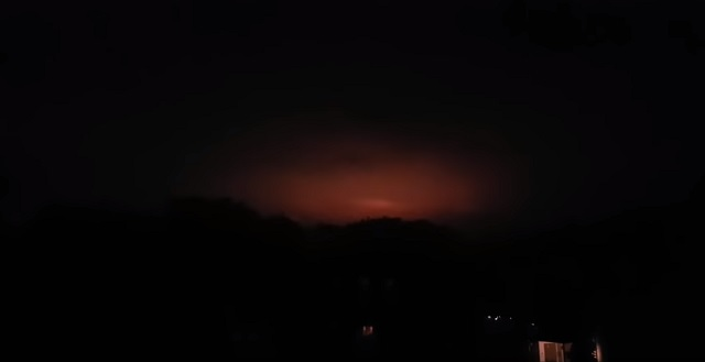 Strange Orange Pulsating Light Filmed Over Gelsenkirchen Germany
