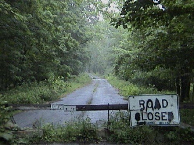 Loveland-Ohio-Frogmen-road