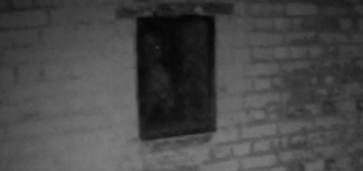 Personal Trainer Records Ghost At Hurst Castle