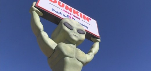 Roswell New Mexico Gets A 22 Foot Tall Alien Statue