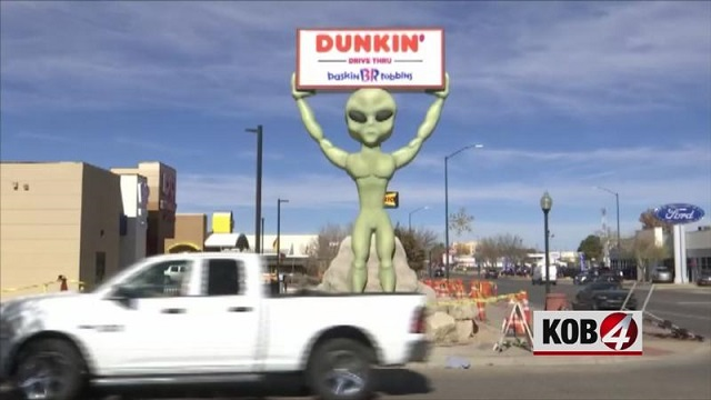 22 foot tall alien statue