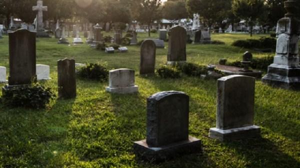 St. Charles Resurrection Cemetery