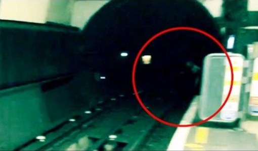 Apparition subway tunnel London