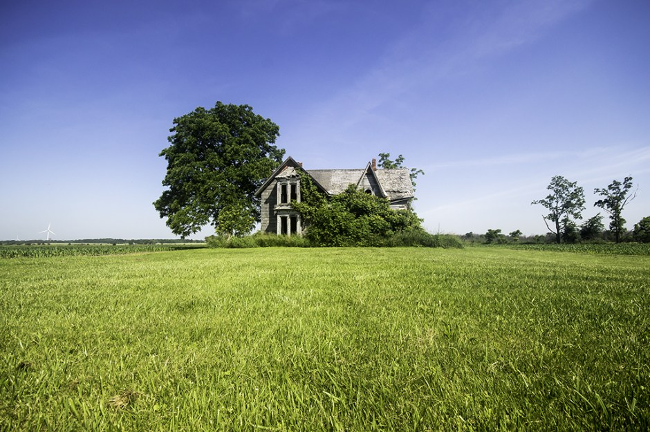 photography prints of Ontario Abandoned House