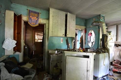 Abandoned Antique House (19)