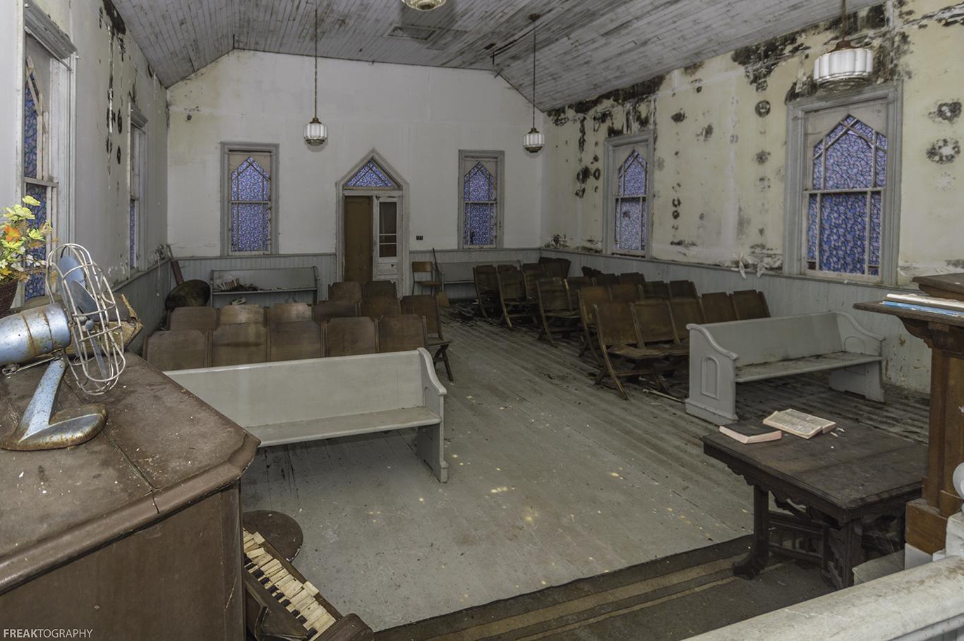 Abandoned Church ontario abandoned church | freaktography | urban exploring