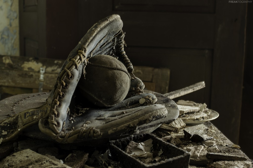 photography prints of Abandoned House Antiques