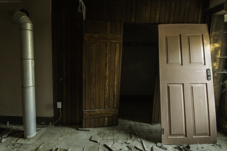 A simple scene found in an abandoned house.