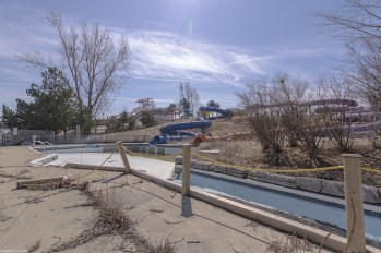vacant waterpark in ontario by freaktography