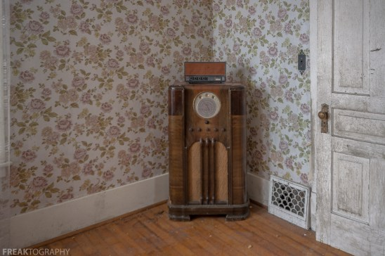 Freaktography, abandoned, abandoned photography, abandoned places, antique radio, creepy, decay, derelict, haunted, haunted places, old radio, photography, radio, urban exploration, urban exploration photography, urban explorer, urban exploring