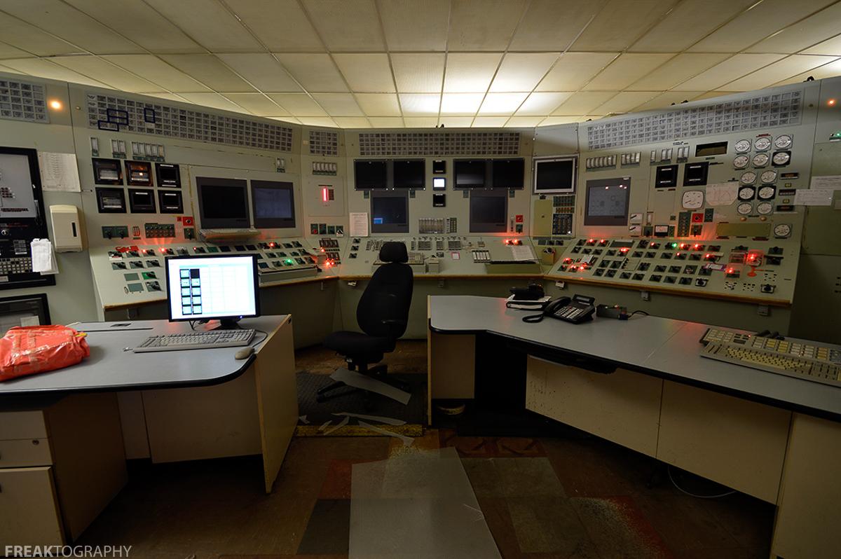 Abandoned Power Plant Urban Exploration
