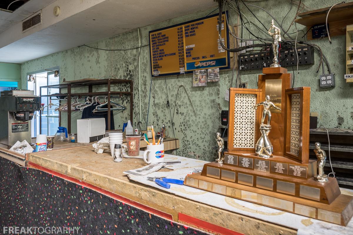 Abandoned Ontario Bowling Alley | 5 Pin Bowling