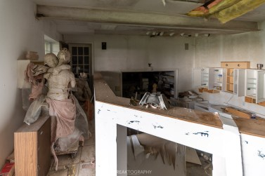 abandoned sculpture artists house