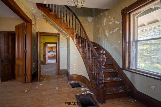 abandoned house ontario canada