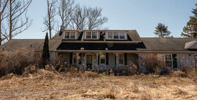 Abandoned 129 year old Custom Country Farmhouse Explore