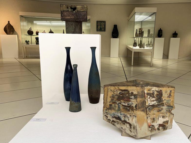 """Keramik von Crumbiegel, Derckum und Sturm in der Jubiläumsausstellung """"Keramik der ersten Stunde"""" zu 50 Jahren Keramion"""