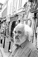 Le sociologue Henri-Pierre Jeudy est né le 13 mars 1945. Il est chargé de recherche au CNRS et membre du laboratoire Laios. Ses recherches portent sur plusieurs thématiques : la peur et la panique, les medias et les ruses de la communication, les mémoires collectives, les patrimoines et les catastrophes, l'esthétique urbaine. Plus récemment il a travaillé sur l'intimité et l'espace public ainsi que l'exhibitionnisme culturel. En 2011 il a publié Comprendre l'interdit, guide graphique , un ouvrage qui se penche sur la prolifération des interdits qui envahissent aussi bien l'espace public que l'espace privé dans notre société.