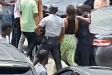 Lady Nabbed After Allegedly Stealing An iPhone From A Retail Store And Hiding It In Her Private Part