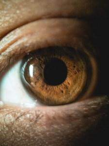 Blackeye macro lens for eye photography
