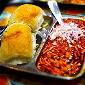 Misal pav near Mamledar Office – Thane