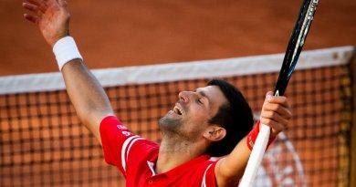 Ora a metà di un Grande Slam, Novak Djokovic vince l'Open di Francia