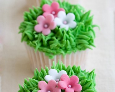 Green Grass Cakes