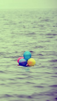 Balloons On The Sea