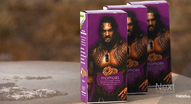 Girl Scout Uses The Power Of Jason Momoa To Sell Samoas