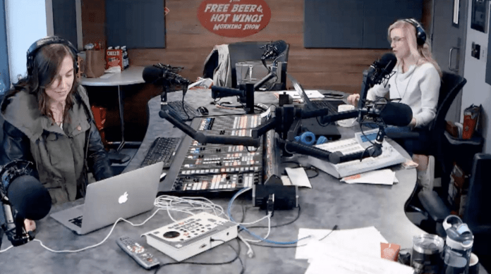 Free Beer and Hot Wings Webcam Feed: Friday, May 10, 2019