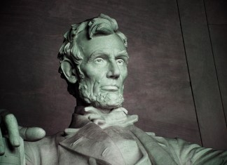 Illinois Woman Finds Dirt Clump That Looks Like Abraham Lincoln