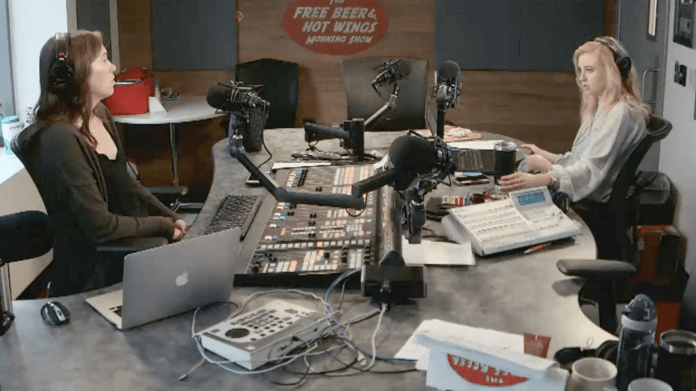 Free Beer and Hot Wings Webcam Feed Monday, July 1, 2019