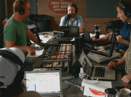 Free Beer and Hot Wings Webcam Feed Tuesday, July 16, 2019